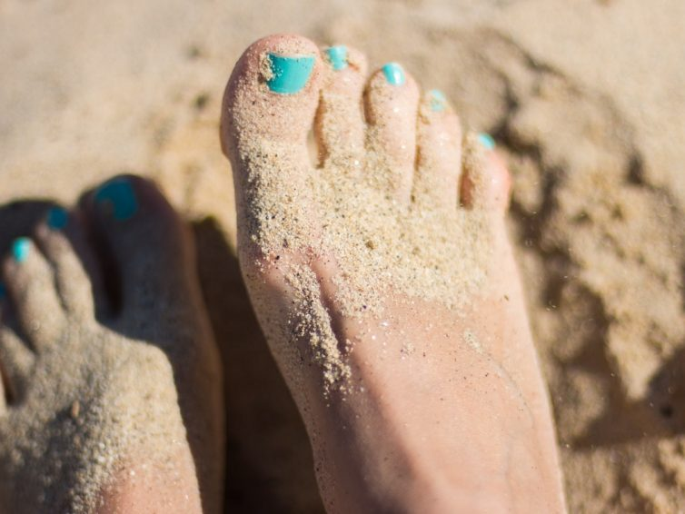 Pedikyr för glada fötter